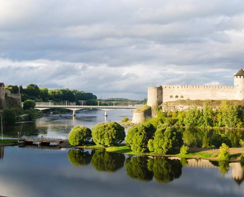 Estonia_Narva_border-of-Estonia-and-Russia