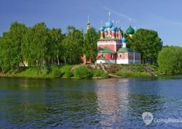 Church of the Dmitry in Uglich_shutterstock_42271216
