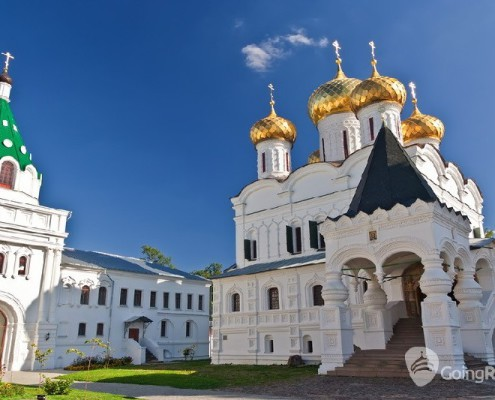 Kostroma_Ipatiev Monastery_shutterstock_70106821
