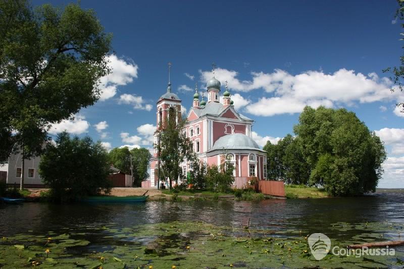Pereslavl_ Forty Martyrs Church_shutterstock_107047208