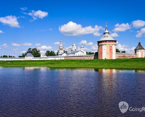 Vologda_Spaso-Prilutsky monastery_shutterstock_45716890